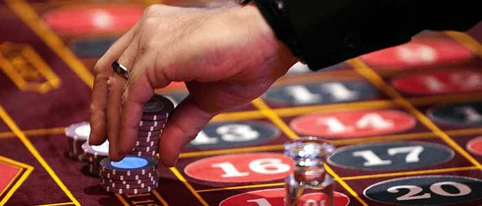 How to find the best IDN live dealer on online?