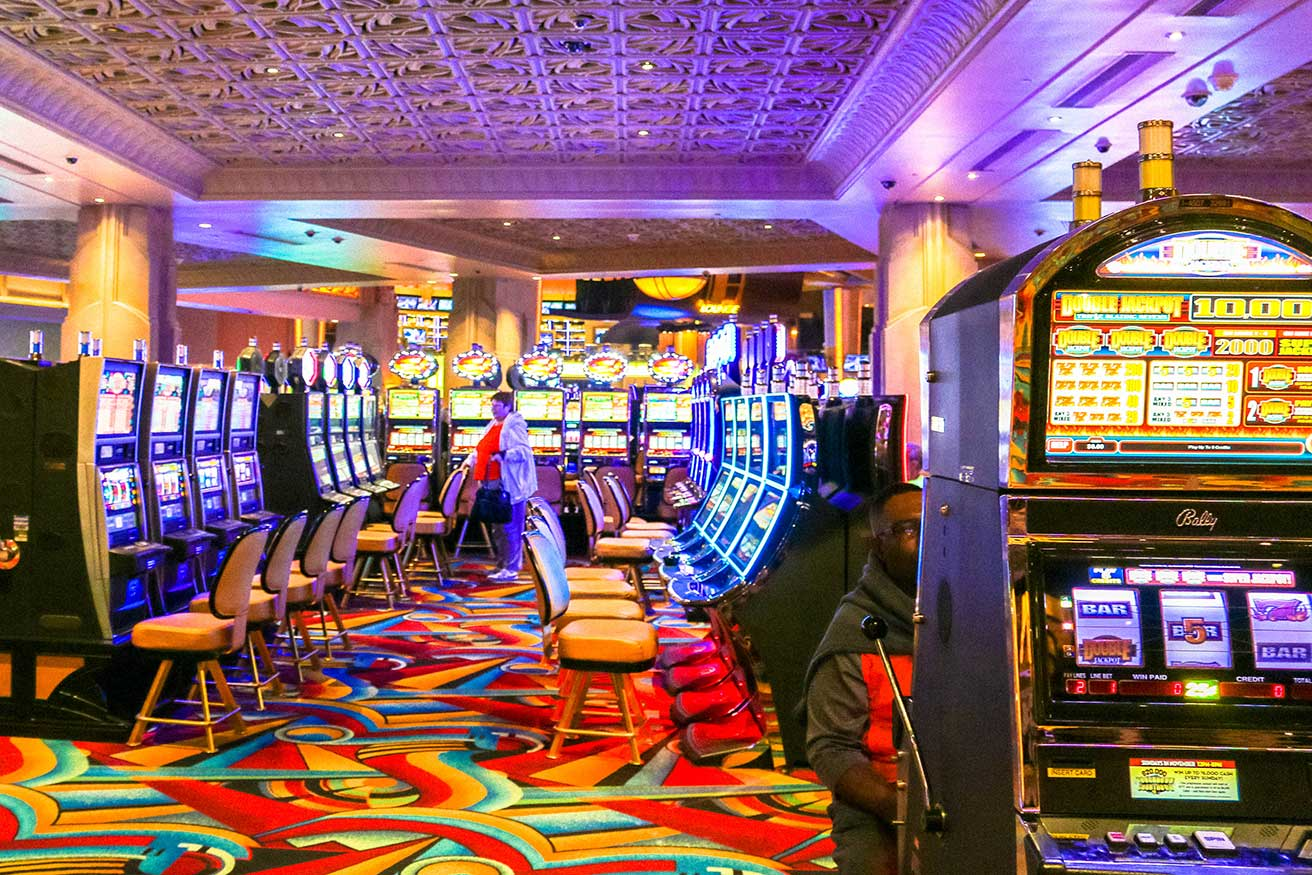 Lessons Concerning Online Casino You Required To Discover before You Strike